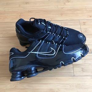 Nike Shox Men's Running Black Shoes Size 10.5